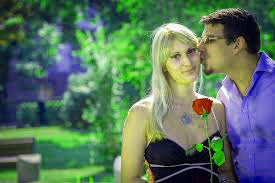 Love Couple Images Wallpaper Pics Download for Whatsaap
