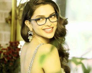 Deepika Padukone images Wallpaper Photo Pics Download for Whatsapp