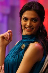 Deepika Padukone Images Photo Wallpaper Download